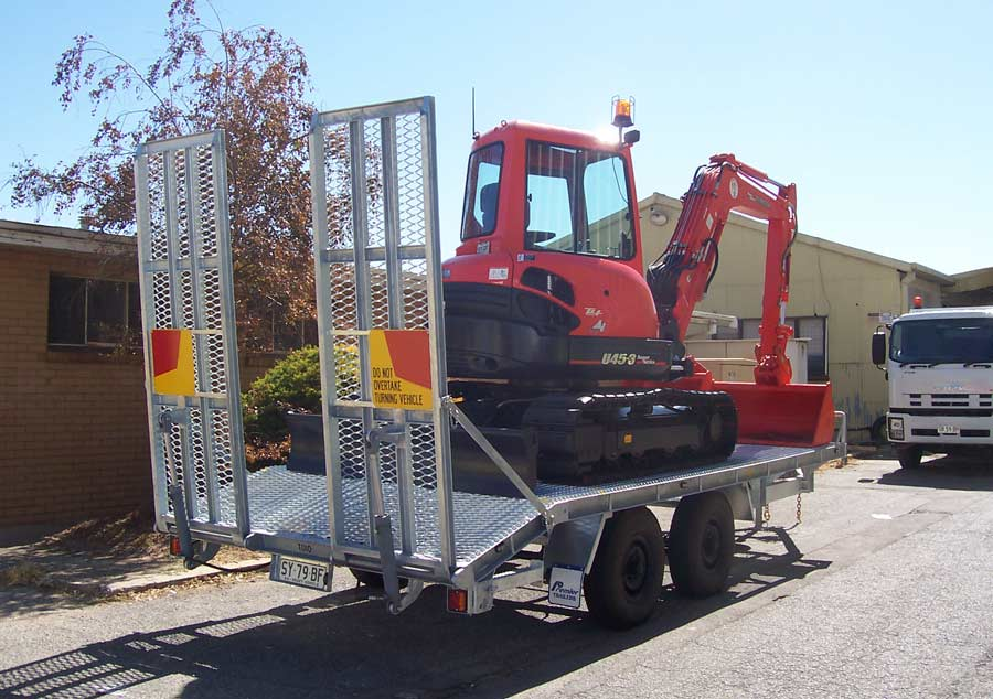 4.5t mini-excavator trailer with hot dip galvanised body